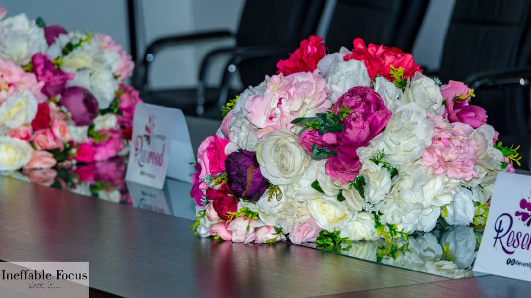 simple table decor for corporate event